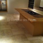Dallage en pierre de BourgogneBeauvallon ClairFinition Brossé 60 x 60 cm