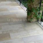 Dallage en pierre de BourgogneMélange Saint-GenayFinition egrésé LL40 cm