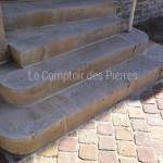 Escalier massifen pierre de BourgogneBeauvallon Vieilli