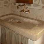 Evier Sénanque en pierre de Bourgogne doré Antiquaire