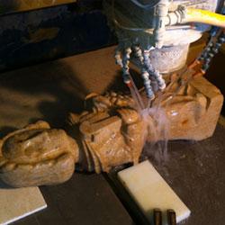 Usinage d'une statue de Saint-Vincent en pierre de Bourgogne