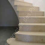 Escalier en pierre de Bourgogne, pose en voûte sarazine