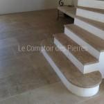 Escalier et dallage vieilli en pierre de Bourgogne