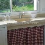 Evier et plans de cuisine en pierre de Bourgogne