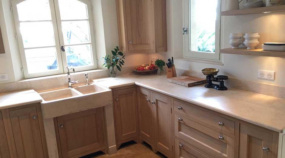 evier plan de cuisine en pierre de bourgogne. Black Bedroom Furniture Sets. Home Design Ideas