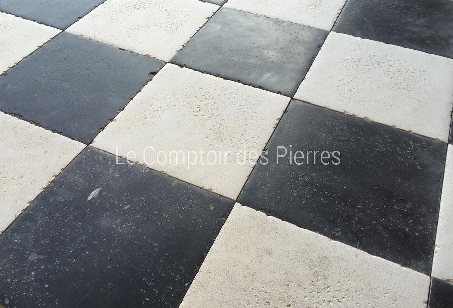 Dallage en pierre de Bourgogne en damier avec Pierre Bleue Belge