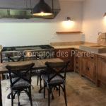 Evier Bastion, crédence Grenache et plans de cuisine en pierre de Bourgogne Lanvignes Vieilli