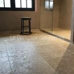 Dallage Lanvignes Vieux Beaune LL 40 cm et receveur de douche en pierre de Bourgogne Lanvignes Vieilli