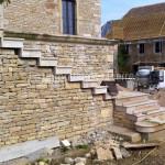 Escalier massifen pierre de BourgogneLanvignes Vieilli