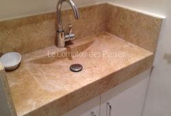 Goult washbasin in Burgundy limestoneLanvignes Aged finish