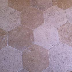 Tomettes hexagonales en pierre de Bourgogne