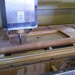 Usinage d'un évier en pierre de Bourgogne