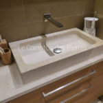 Saint-Rémy washbasin, vanity top in Burgundy limestone Charmot light Honed finish
