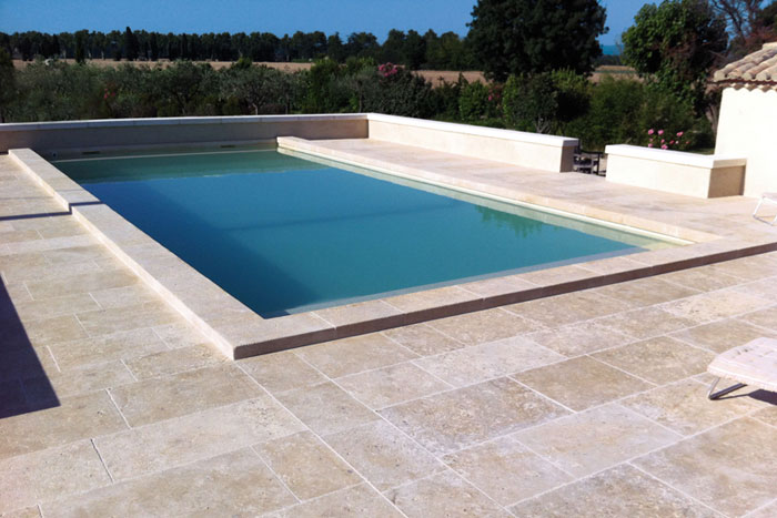 margelles piscine pierre naturelle de bourgogne. Black Bedroom Furniture Sets. Home Design Ideas