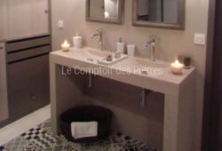 Goult washbasins Double bowls with vanity tops in Burgundy limestone Charmot light Honed finish