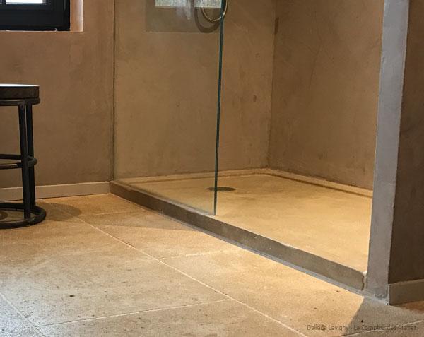 Receveur de douche en pierre ambiance