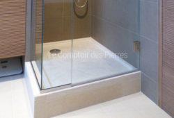 Shower tray<br/>in Burgundy limestone <br/> Charmot light Honed finish