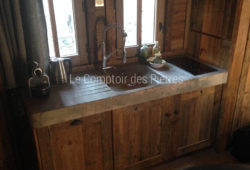 Massive sink and kitchen worktop<br/>in Burgundy limestone<br/> Lanvignes
