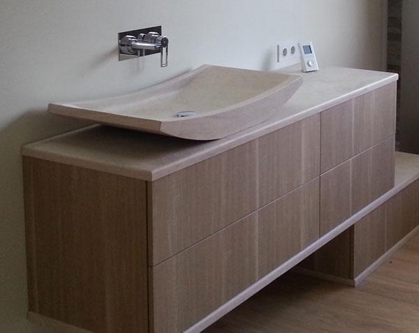 Vasque et plans vasque en pierre de Bourgogne