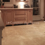 Kitchen worktopsin Burgundy limestone : Charmot light Honed finish