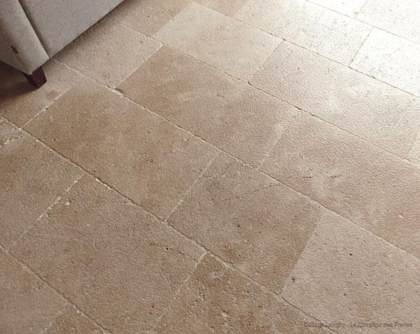 Dallage en pierre de Bourgogne Lanvignes finition Vieux Beaune