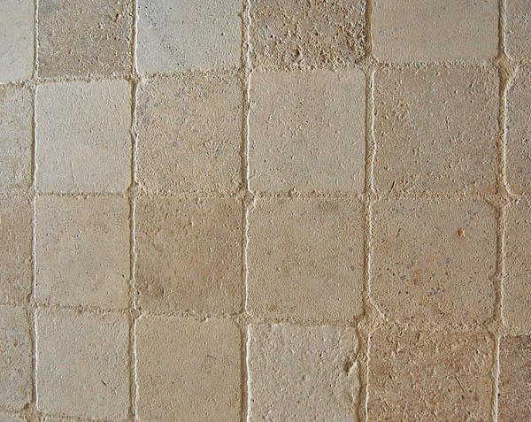 Pavés vieillis en pierre naturelle