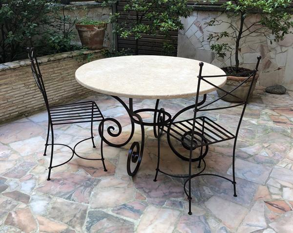 Plateau de table rond en pierre de Bourgogne