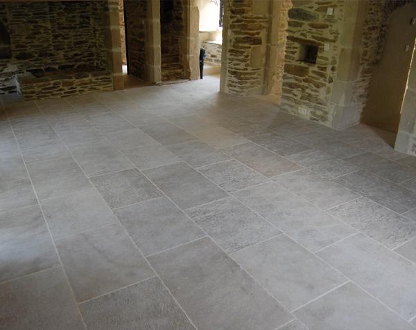 Dallage en pierre de Bourgogne Ampilly Finition Vieux Beaune - Longueurs Libres x Largeur 50 cm