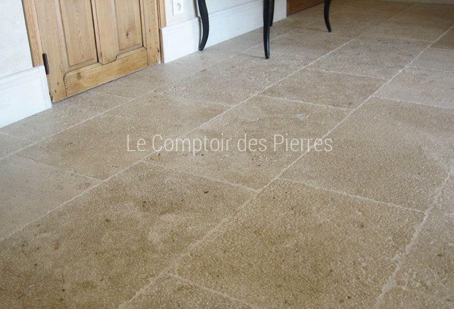 Dallage en pierre de Bourgogne finition Vieux Beaune