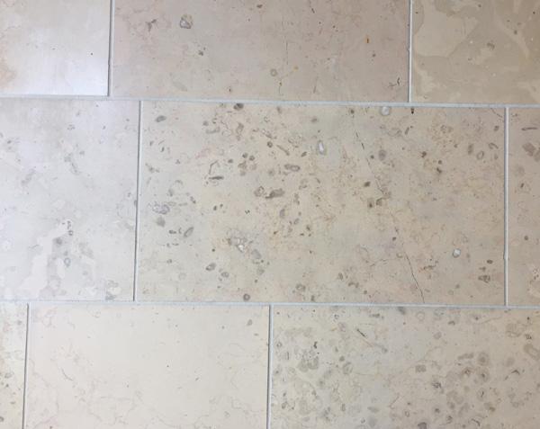 Tiling in Comblanchien - Burgundy - France