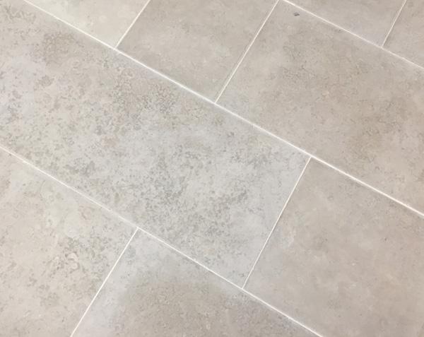 Carrelage gris en pierre - Bleu de Lignières Adouci