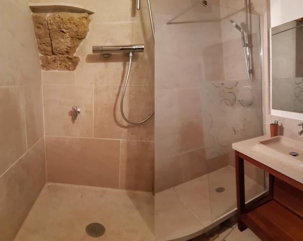 Revêtement mural, receveur et vasque Oppio en pierre de Bourgogne Lanvignes Vieilli et Charmot Clair Adouci