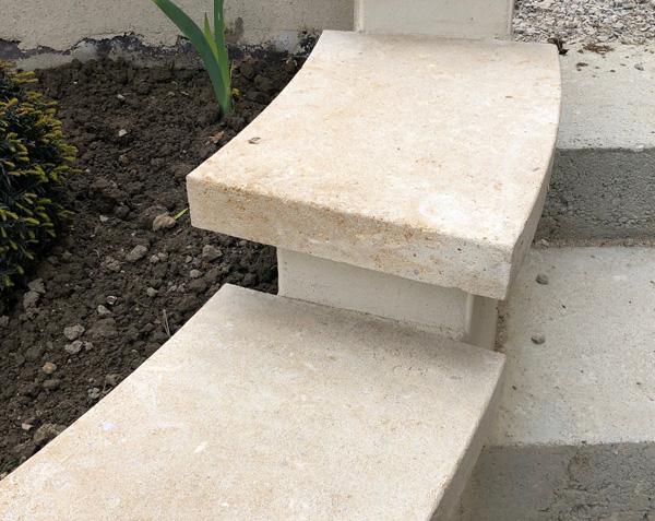Couvertines en pierre de Bourgogne Lanvignes - Finition Vieilli