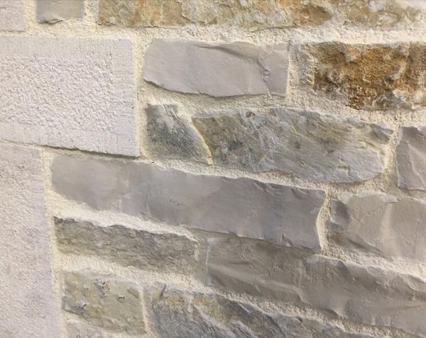 Parement en pierre de l'Yonne - Origine Bourgogne - Mélange Finition Naturel et Eclaté
