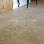 Tiles in Burgundy limestone Lanvignes Vieux Beaune finish Widths 40 cm and random lengths