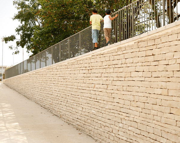 Barrette éclatée pour mur en pierre naturelle de Bourgogne