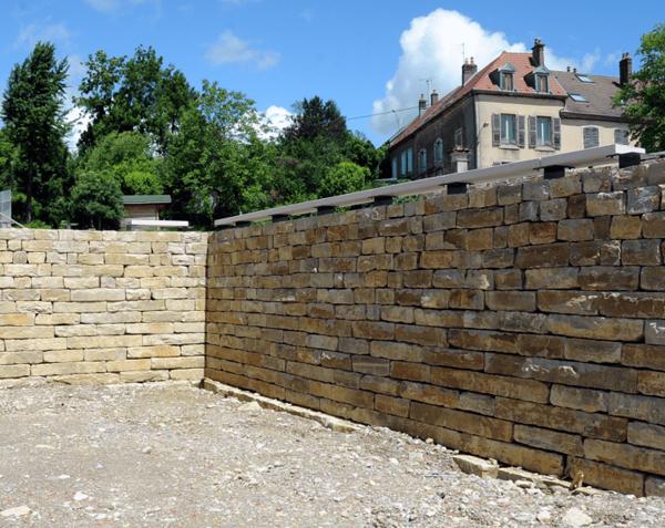 Bloc de soutènement en pierre naturelle de Bourgogne