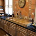Sénanque sink in Burgundy limestone Lanvignes with antique finish