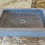 Vasque en Pierre Bleue Belge Finition Vieilli (cuve + extérieur) Sortie Atelier
