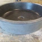 Vasque en Pierre Bleue Belge Finition Vieilli (extérieur) / Adouci (cuve) Sortie Atelier