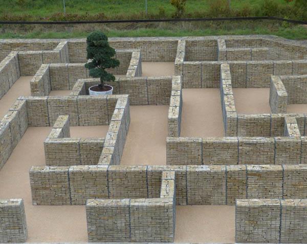 Mur de soutènement en gabion en pierre