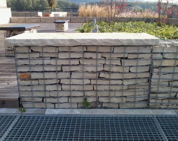 Mur de cloture en gabion pré-rempli en pierre naturelle de Bourgogne